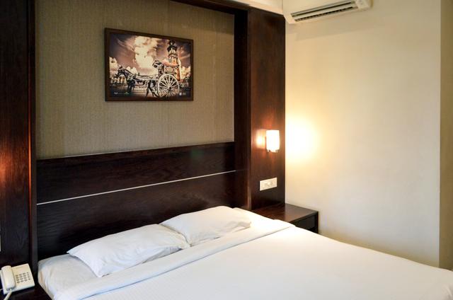 Comfort_King_Room_(3)