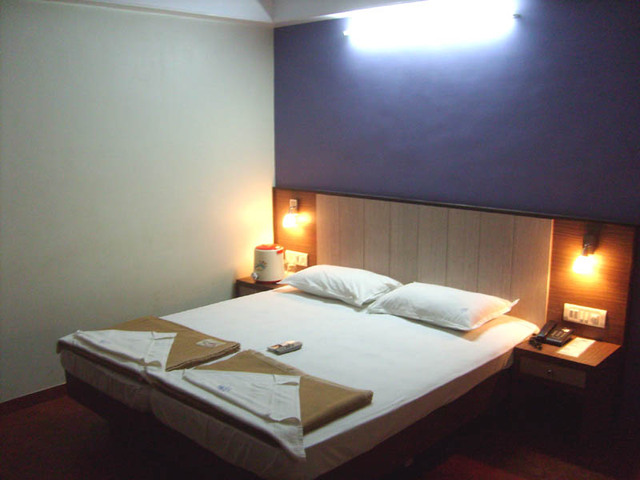 BUDGET_ROOM_AC_2_BED