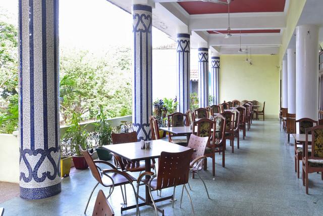 OutdoorRestaurant_1