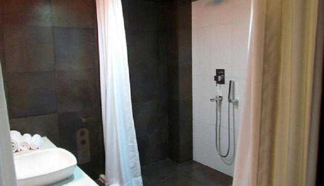club_bath