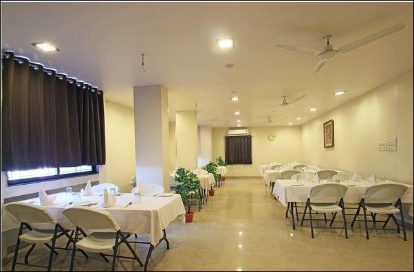 Avon_Intl_Restaurant