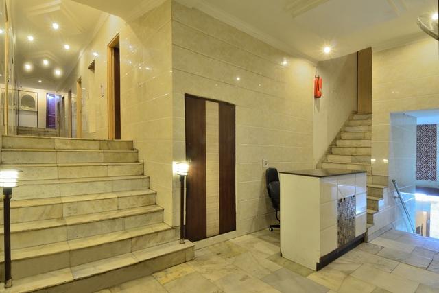 Hotel_Interior_(2)