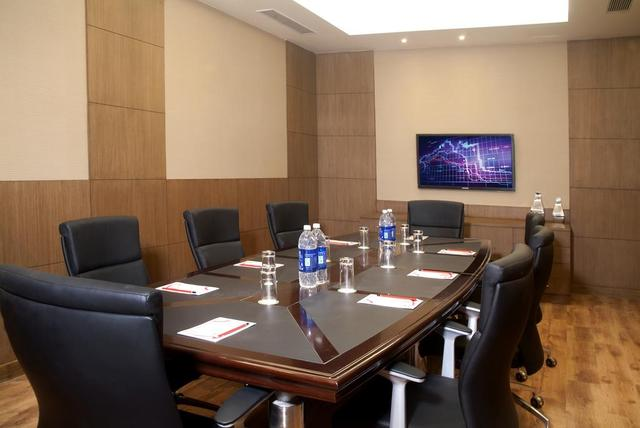 savoy_board_room