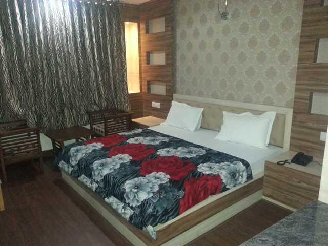 hotel-sunshine-park-ghaziabad-super-deluxe-room-108838854382-jpeg-fs