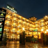 Resort_View_By_Night_-_01