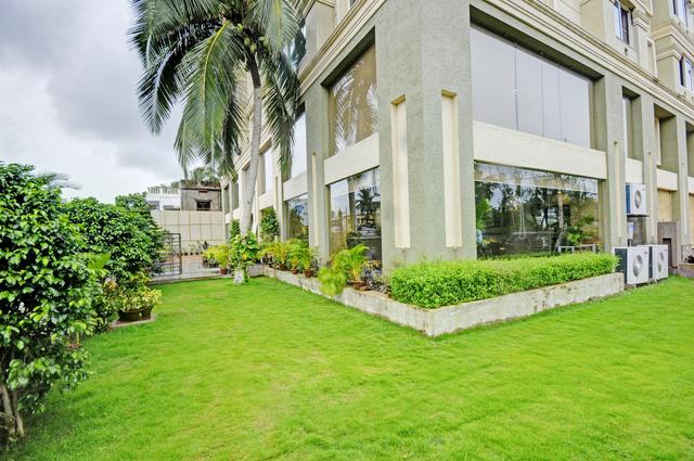 Hotel_Outdoor_Image_3