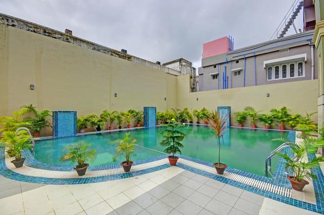 Swimming_Pool_image_3
