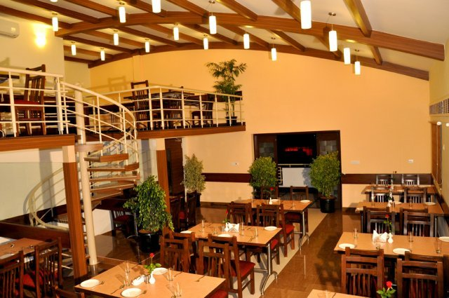phoca_thumb_l_restaurant_1