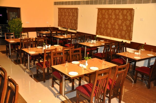 phoca_thumb_l_restaurant_3