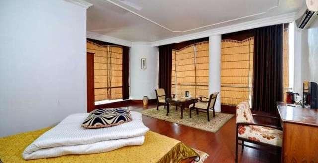 hotel-polo-regency-mandi-hotel-polo-regency-201412092008471272_room_deluxe___1__jpg-mandi-111860956264-jpeg-fs