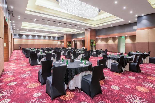 Crowne Plaza Ahmedabad City Centre Ahmedabad Room Rates