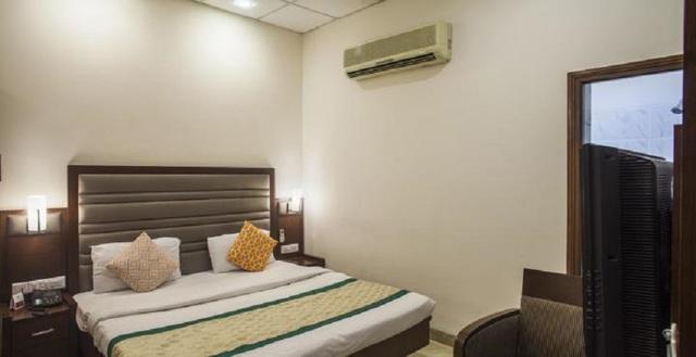 Mint_Hotel_Deluxe_Room_Image1