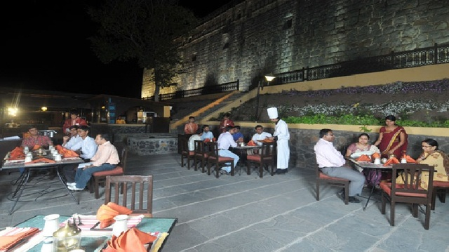 Restaurant_-_1