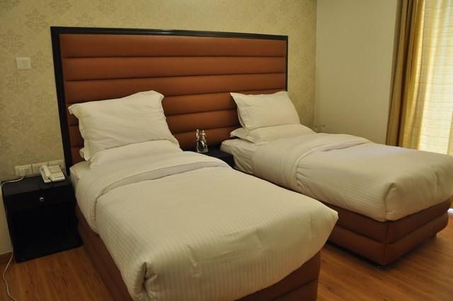 Luxury_Room_Twin_Beded