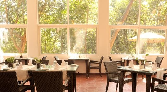 Restaurant_at_meriyanda_Nature_odge