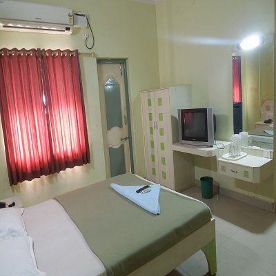 Hotel_Rainbow_Residency_(5)