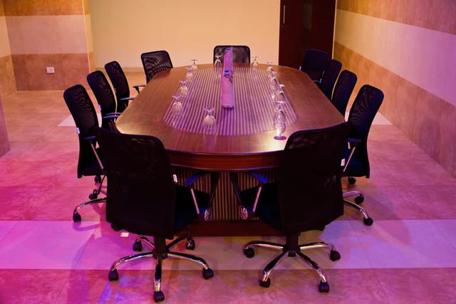 08_Board_Room