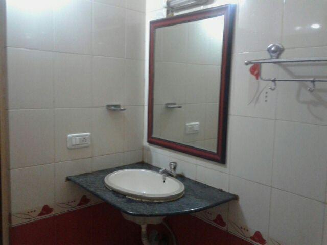 new-sagar-comforts-banquets-bangalore-washroom-64247338148fs