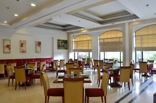 Restaurant_(5)