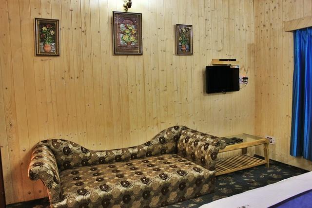 luxury_room_(3)_1