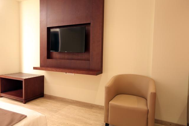 Grand_room_..