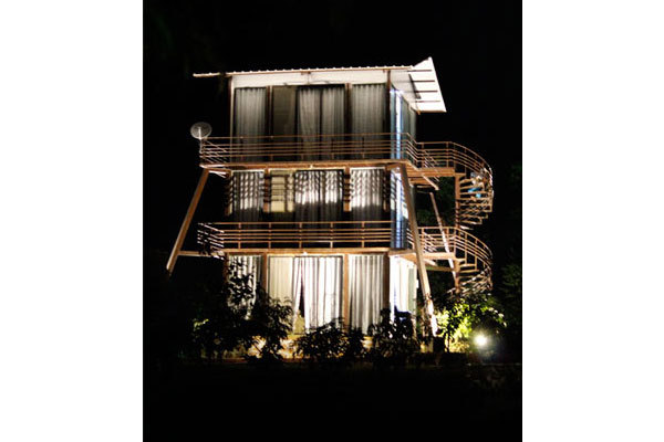 Mansion-in-the-Night_new