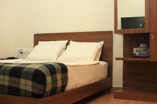 Double_deluxe_room_(2)