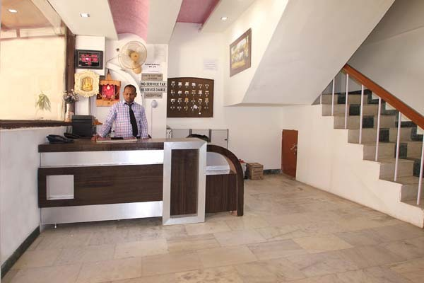 hotel viren holiday home agra room rates reviews deals rh cleartrip com