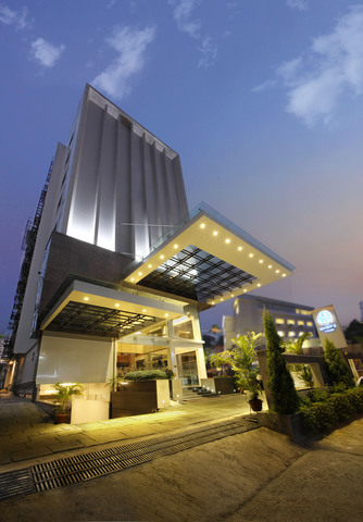 The Grand Magrath Hotel - Bangalore - book your hotel with ...