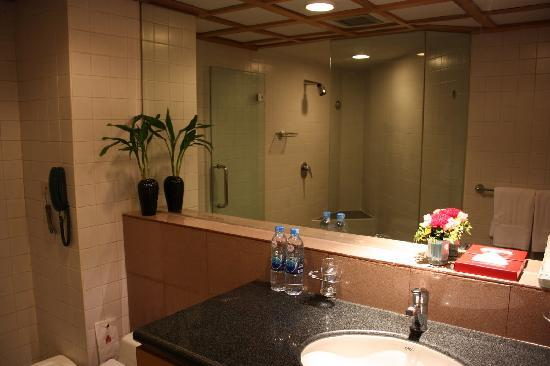 the-waves-serviced-apartments