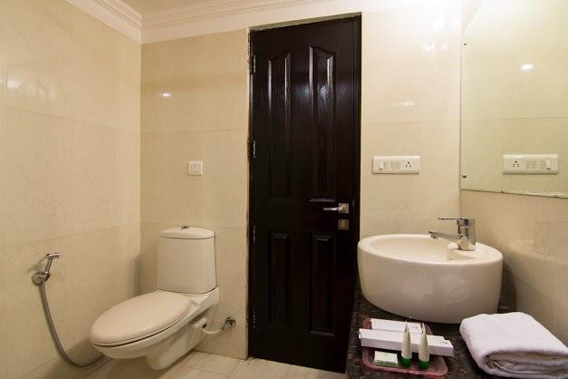 Oak_Bathroom_2