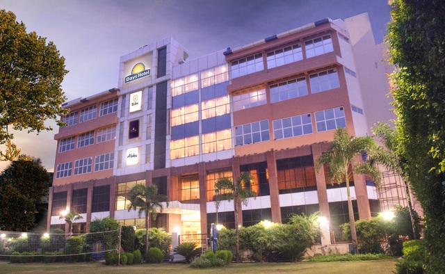 Days_Hotel