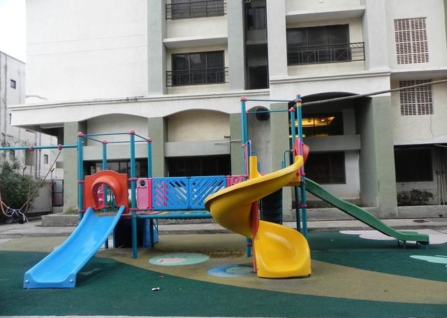 children_play_area_(3)