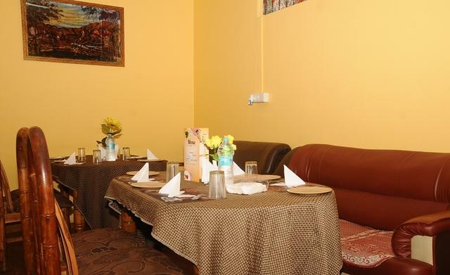 Ample_Inn_-_Restaurant_1