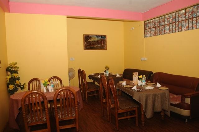 Ample_Inn_-_Restaurant