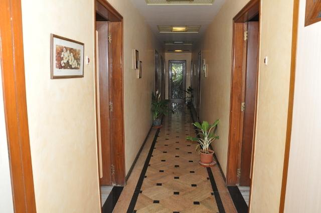 Hotel_Inside-1