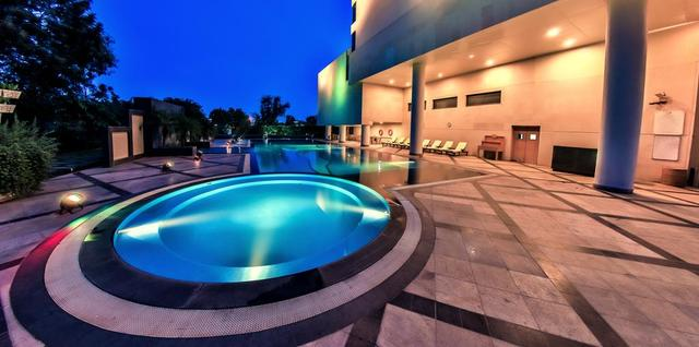 The lalit chandigarh chandigarh room rates reviews deals - Chandigarh hotel with swimming pool ...