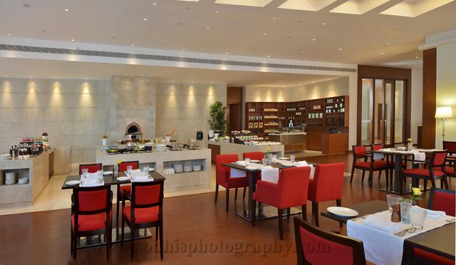19_Restaurant_2_CC_SH_LR_W