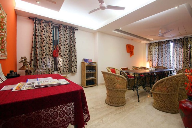 Elina bed and breakfast new delhi room rates reviews for Bed and breakfast area riservata
