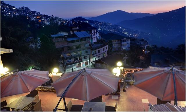 Roof_Top_Restaurant....