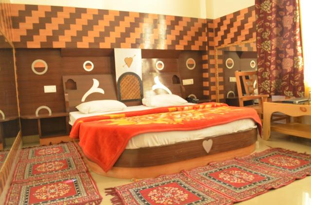 him-regency-manali-guest-room-55024351829fs