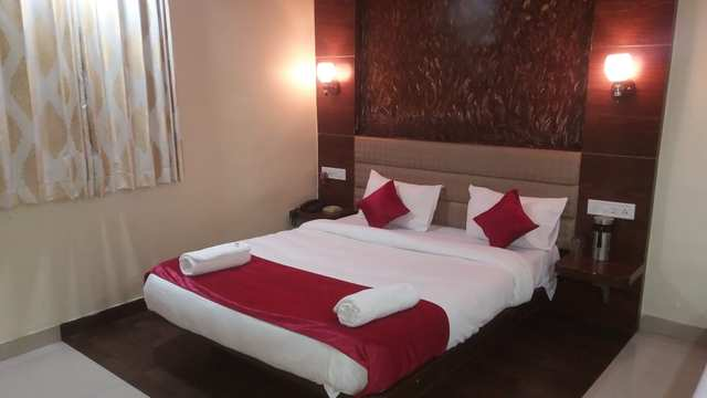 hotel-laxmi-mahabaleshwar-deluxe-room-non-ac-98469946892-jpeg-fs