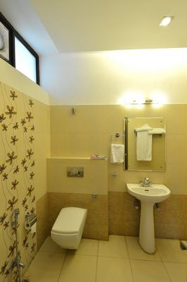 Standard_Room-_Attached_Bathroom_(2)