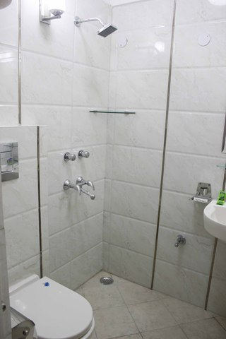 bathroo_