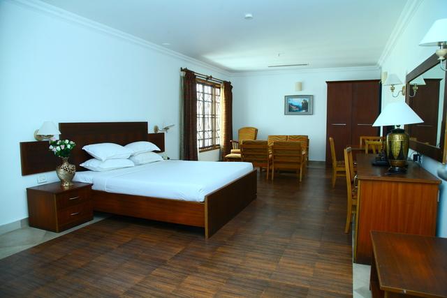 club_suite_-_room_2