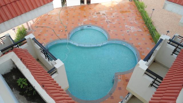 Swimmingpool_2
