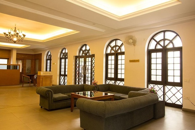 Fort_Palace_Lobby_1