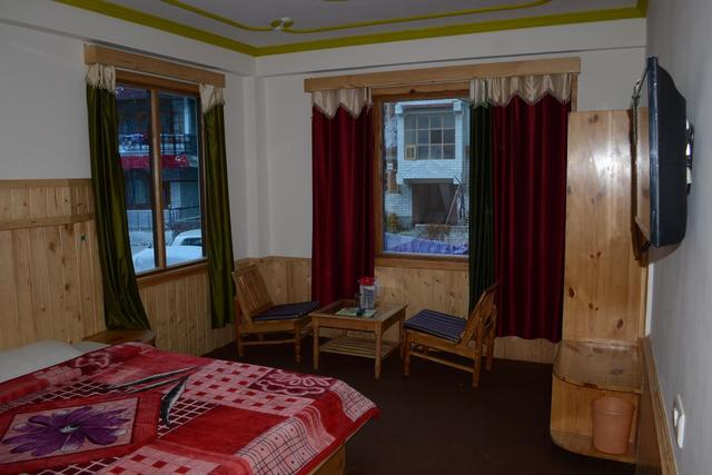 hotel-hill-top-manali-deluxe-room-70642651001fs