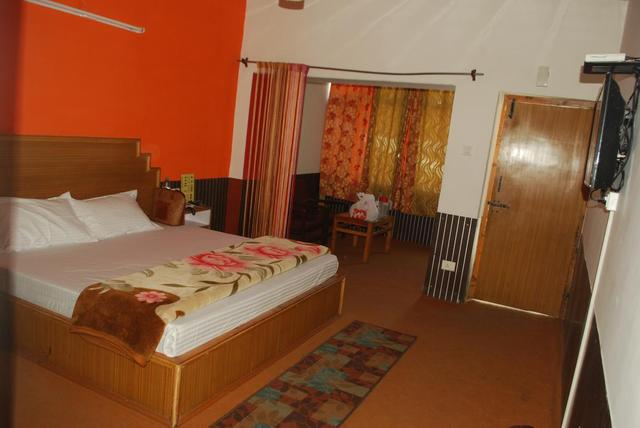 hotel-hill-top-manali-deluxe-room-73638999715fs