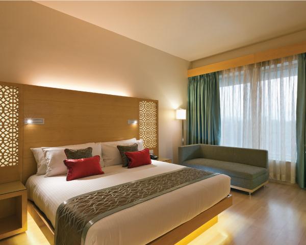Gateway_Raipur-Superior_Room_King_-600x480